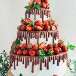 tort-weselny-drip-cake